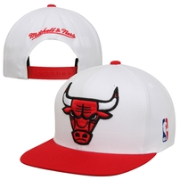 Mitchell & Ness Chicago Bulls XL Logo Two Tone Snapback Hat - White/Red